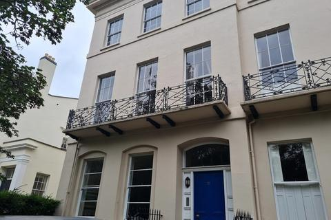 Studio to rent - Flat 5, 37 Pittville Lawn,