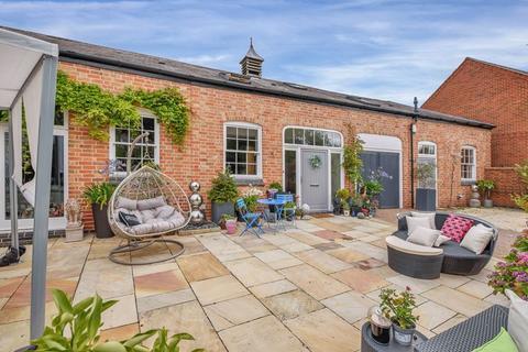 5 bedroom barn conversion for sale - Hallaton, Market Harborough
