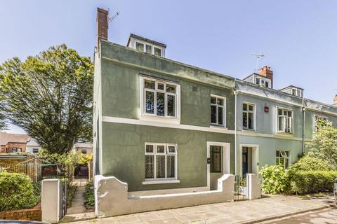 4 bedroom end of terrace house for sale - Gloucester Terrace, Southsea