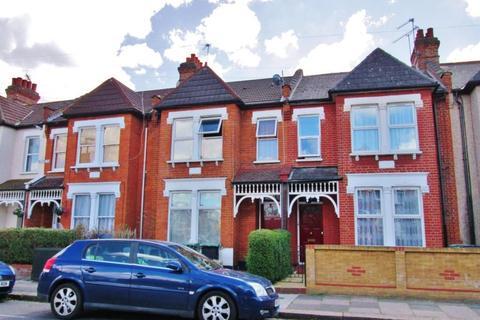 2 bedroom flat to rent - Mannock Road, London N22