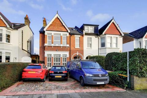 6 bedroom semi-detached house to rent - Colebrook Ave, London