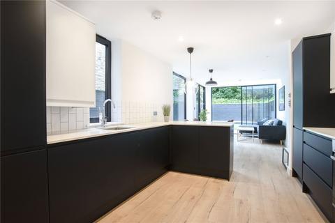 3 bedroom apartment for sale - Graham Road, London, E8