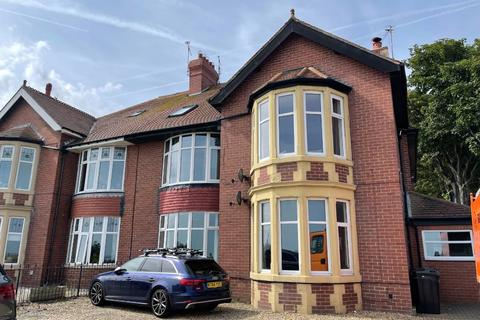 3 bedroom apartment to rent - The Links, Whitley Bay.  NE26 1RY