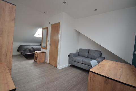 1 bedroom in a house share to rent - Park Road, Springfield, Wigan, WN6