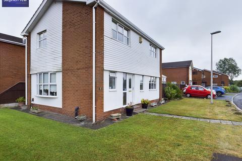 4 bedroom detached house for sale - Carterville Close, Blackpool, FY4 5BD