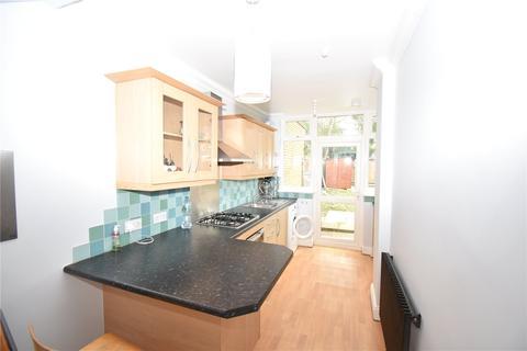 3 bedroom terraced house to rent - Saxon Road, Wood Green, London, N22