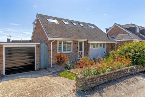 4 bedroom detached bungalow for sale - Heyshott Close, Lancing