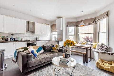 2 bedroom flat for sale - Kendoa Road, Clapham