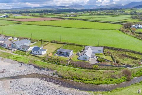 3 bedroom detached house for sale - Aberdesach