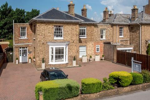 5 bedroom semi-detached house for sale - Parkfield