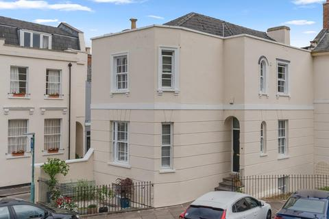 3 bedroom townhouse for sale - St. Lukes Road, Cheltenham