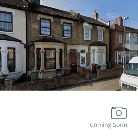 4 bedroom terraced house to rent - Faircross Avenue IG11