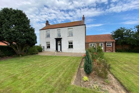 5 bedroom detached house for sale - The Green, Ulrome