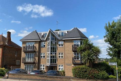 3 bedroom penthouse to rent - 52 Station Road, New Barnet