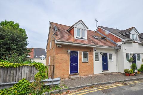 3 bedroom townhouse for sale - Norwich Road, Bournemouth, BH2