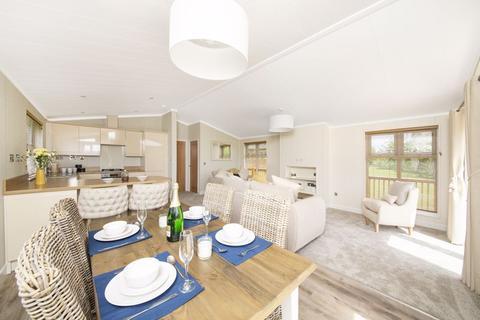 2 bedroom detached bungalow for sale - 5 Waterside, Thornton Lodge Retreats, Thornton Hill, Easingwold