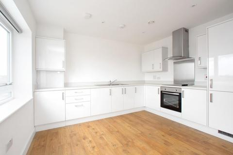 2 bedroom apartment to rent - BOWES ROAD, LONDON, N11