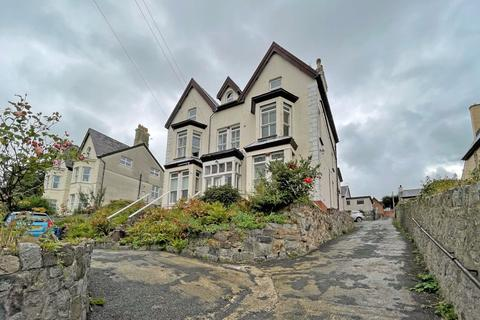 1 bedroom apartment for sale - St. Davids Road, Caernarfon, Gwynedd, LL55