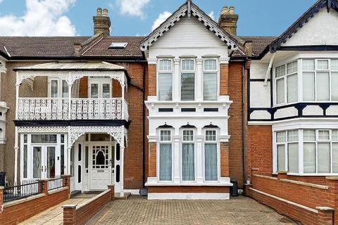 3 bedroom flat for sale - Clarendon Gardens, ILFORD, IG1