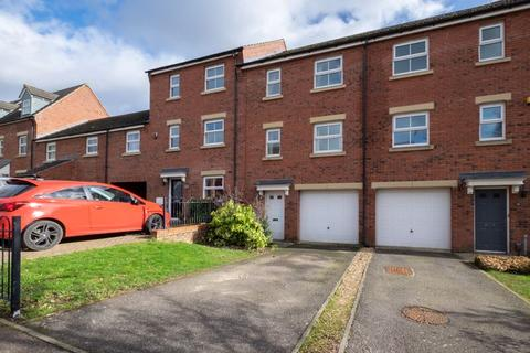 3 bedroom townhouse for sale - Batsmans Drive, Rushden