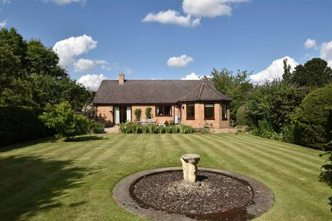 4 bedroom detached bungalow for sale - Vence Close, Stamford