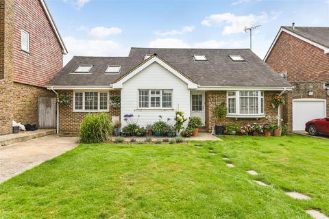 4 bedroom detached bungalow for sale - The Meadows, Walberton