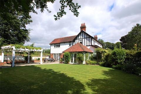 5 bedroom detached house to rent - Gayton Close, Chesham Bois, Amersham, Buckinghamshire, HP6