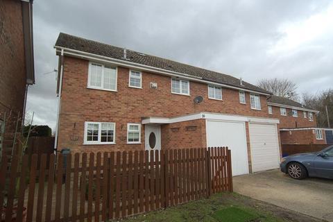 5 bedroom semi-detached house to rent - Raven Close, Mildenhall, Bury St.Edmunds, Suffolk, IP28