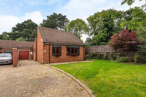 3 bedroom detached bungalow for sale - Kings Hall Road, Beckenham, Kent