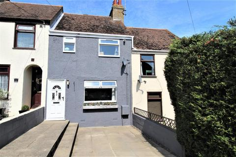 2 bedroom house for sale - Queens Road, Minster On Sea, Sheerness