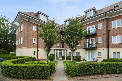 2 bedroom flat for sale - Maplewood court, 47 Woodthorpe Road, Ashford