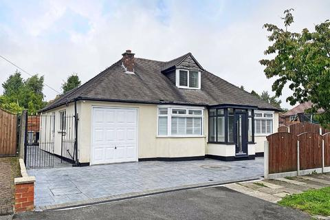 4 bedroom detached bungalow for sale - Ridge Avenue, Hale Barns, Cheshire