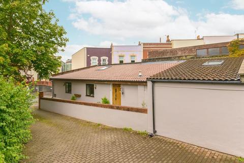 1 bedroom detached bungalow for sale - Bellevue Road, Totterdown