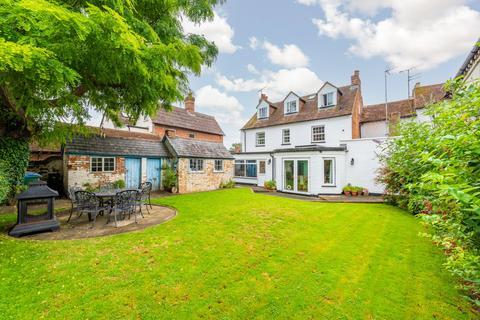 5 bedroom semi-detached house for sale - Aylesbury Road, Bierton, Aylesbury, Buckinghamshire, HP22