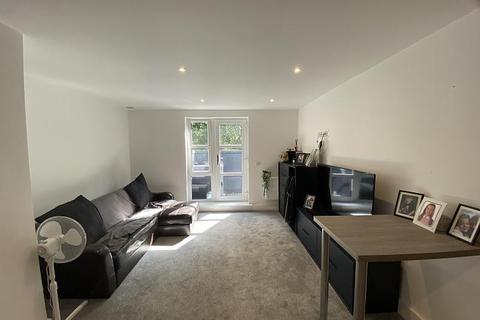 Studio for sale - Seafarers Court Queens Terrace Southampton SO14