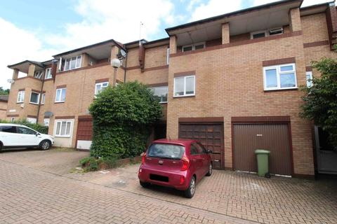 3 bedroom house to rent - OLDBROOK - AVAILABLE IMMEDIATELY