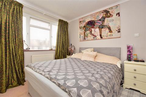 3 bedroom semi-detached house for sale - Broadway Close, South Croydon, Surrey