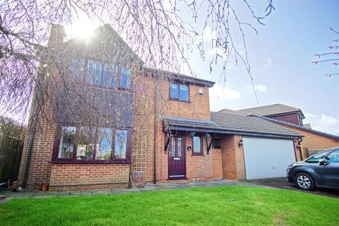 4 bedroom house for sale - 4-Bed Detached House For Sale on Hoylake Close, Preston