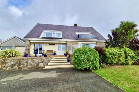 4 bedroom detached house for sale - Llanbedrog, Pwllheli