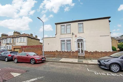4 bedroom end of terrace house for sale - Empress Avenue, ILFORD, IG1