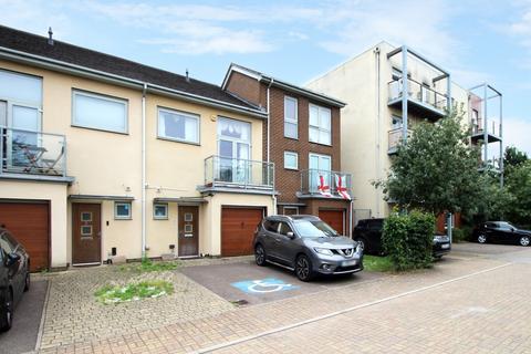 3 bedroom townhouse to rent - Marsden Gardens Dartford DA1
