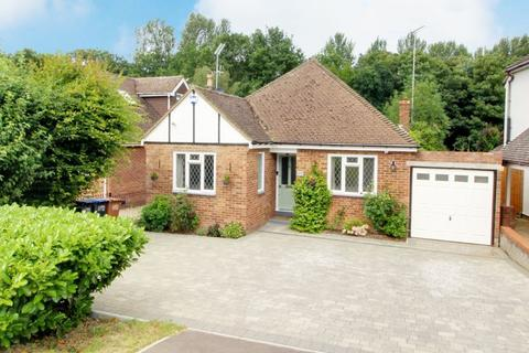 3 bedroom detached bungalow for sale - Tolmers Road, Cuffley