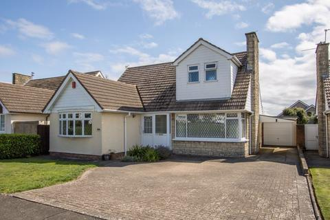 3 bedroom detached bungalow for sale - Dunster Drive, Sully