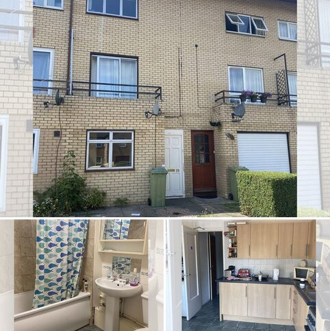 5 bedroom terraced house to rent - Large Double Bedroom in House Share, own shower, Available Now!