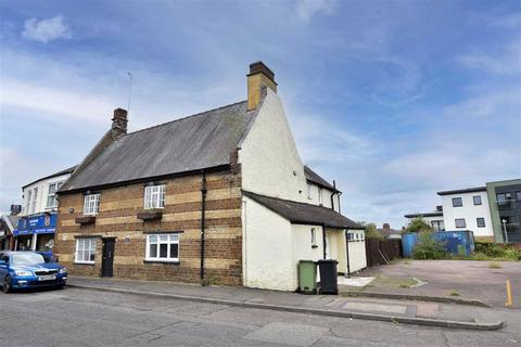 8 bedroom semi-detached house for sale - Gold Street, Wellingborough