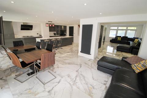 4 bedroom semi-detached house for sale - Dunblane Drive, Royal Leamington Spa