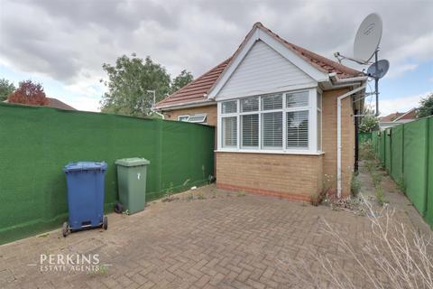 4 bedroom detached bungalow for sale - Greenford, UB6