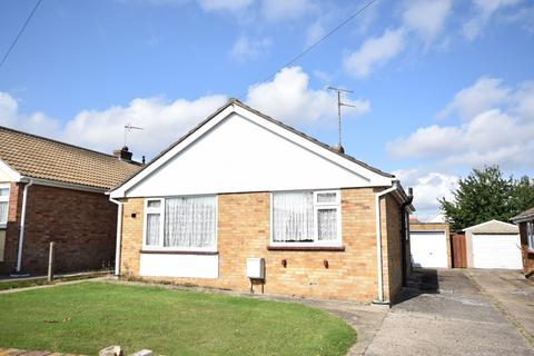 2 bedroom detached bungalow for sale - Holland-on-Sea