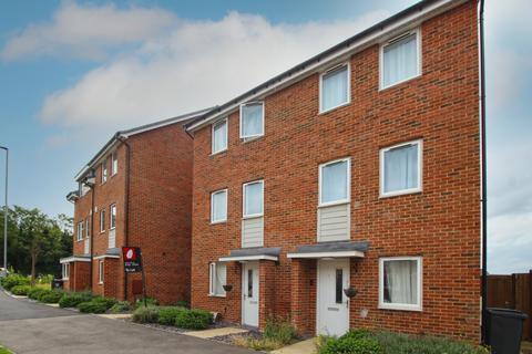 4 bedroom townhouse to rent - Burroughs Drive Dartford DA1