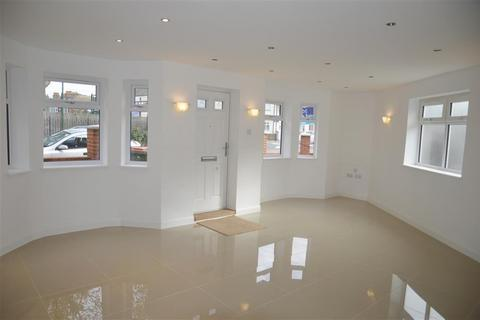 4 bedroom end of terrace house for sale - Tunmarsh Lane, Plaistow, London, E13 9NG